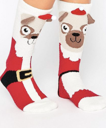 http://www.asos.de/asos/asos-christmas-mr-and-mrs-santa-pug-gemutliche-socken/prd/6966881?iid=6966881&clr=Mehrfarbig&SearchQuery=socken&pgesize=36&pge=0&totalstyles=817&gridsize=3&gridrow=3&gridcolumn=2