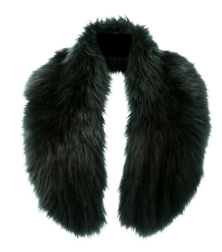 dunkelgruner-fake-fur-kragen